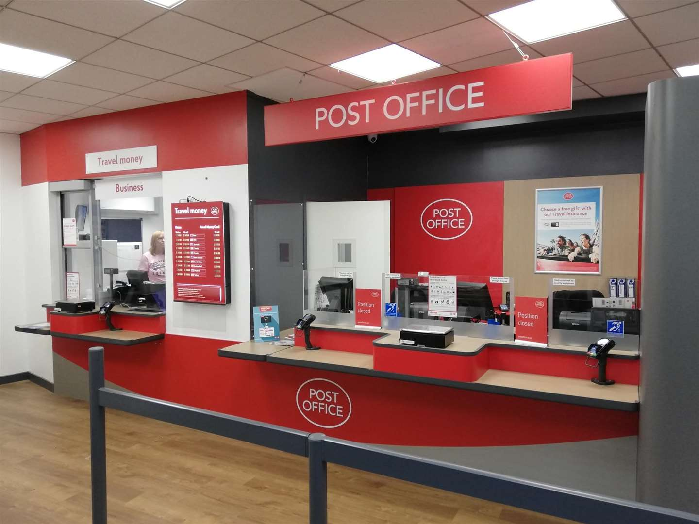 Time is running out for Tax Credit or Child Benefit claimants with a Post Office Card Account to set up a new account
